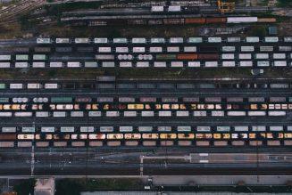 De wegvervoerders en spoorvervoerders van Europa moeten samenwerken