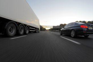 Zelfrijdende vrachtwagens om banen te veranderen, niet om banen te vervangen