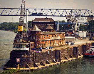Lage waterstanden in de Rijn zorgen voor een boost voor het vrachtvervoer