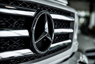 Vrachtwagens van Mercedes vanuit voorraad