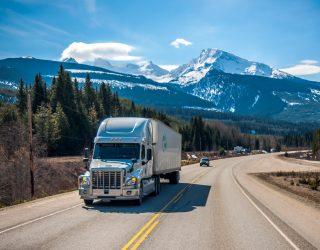 Vrachtwagen chaos in steden – roept op om tot de daders te richten