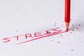Hoe de tekenen te herkennen dat een collega gestrest is