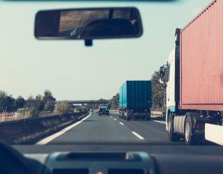 Vrachtwagenchauffeurs maken offers tijdens de coronavirus crisis